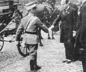 King of Italy Emmanuel III officially met Mussolini on November 3, 1922