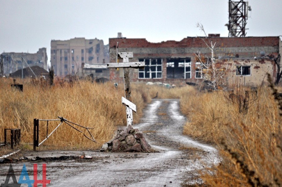 Iversky Monastery, the view of the road leading to the airport. Photo source: Donetsk News Agency